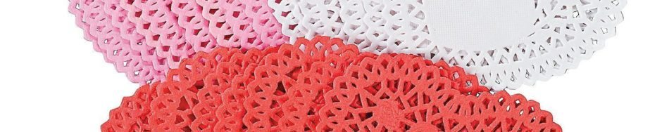 Fun Express Mini Valentine Heart Doilies – Assorted Colors – 100 Pieces
